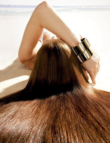 Como manter o cabelo liso e saudável no verão